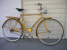"""old three-speed gallery: 1969 Raleigh Sports """"All-Gold Edition"""" Raleigh Bicycle, Raleigh Bikes, Look Bicycles, Bicicletas Raleigh, Commuter Bike, Vintage Bicycles, Vintage Fashion, Vintage Style, Cycling"""