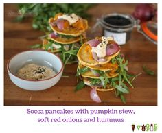 Socca pancakes with pumpkin stew, soft red onions and hummus Pumpkin Stew, Onions, Hummus, Vegetarian Recipes, Pancakes, Meals, Dishes, Ethnic Recipes, Red