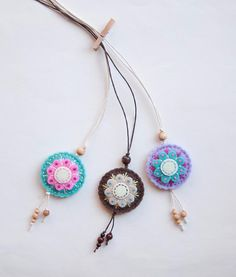 Round felt pendant necklace with flower felt medallion by suyika