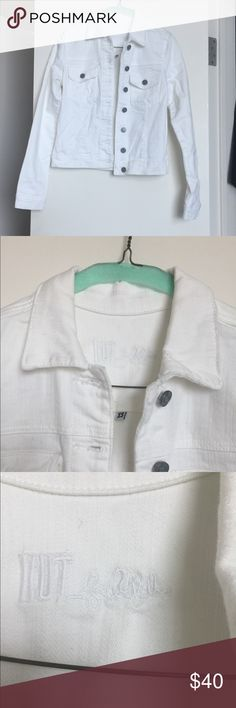 ⚜️ White denim jacket size XS ⚜️ SUPER CUTE White denim jacket size XS worn once in excellent condition Jackets & Coats Jean Jackets