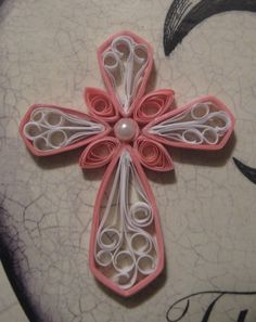 paper quilling - pretty cross...would like to try this sometime!