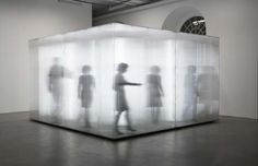 Sebastian Hempel Beziehungskiste 2009 420 x 420 x 250 cm Polycarbonatplatten, Leuchtstoffröhren, Holz @Galerie von Bartha, Basel CH; Fridericianum, Kassel