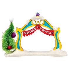 Whoville Christmas Decorations, Grinch Decorations, Grinch Christmas Party, Grinch Ornaments, Grinch Who Stole Christmas, Grinch Party, Christmas Yard, Christmas Store, Christmas Villages