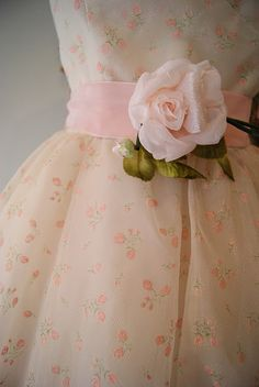 Let the romance begin in this darling 1950's Emma Domb strapless prom/wedding dress with baby pink roses $298