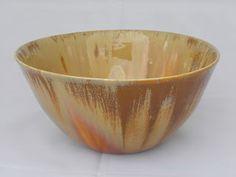 ciotola, porcellana con smalti cristallizzati, diametro cm. 20 h. cm. 10, 2013