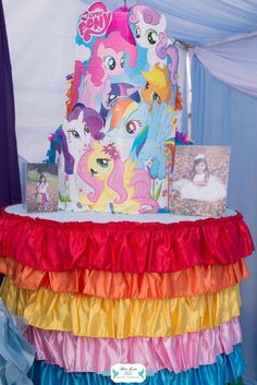 Rainbow Dash Adventure Birthday - Birthday Party Ideas for Kids and Adults My Little Pony Birthday Party, 90th Birthday Parties, Girl Birthday Themes, Birthday Party Decorations, Birthday Ideas, Little Poney, Rainbow Parties, White Balloons, Bridal Shower Games