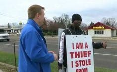 """Juiz Faz Homem Acusado De Roubo Usar Cartaz Com a Mensagem """"Eu Sou Um Ladrão"""" http://www.desconcertante.com/juiz-faz-homem-acusado-de-roubo-usar-cartaz-com-mensagem-eu-sou-um-ladrao/"""
