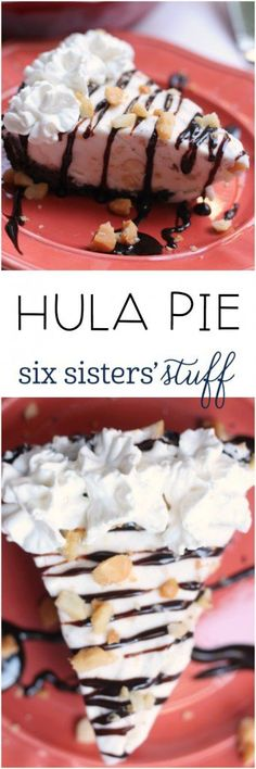 Hula Pie On Six Sisters' Stuff This Copycat Hula Pie Is A Favorite Every Time We Are In Hawaii. Presently You Can Make It From The Comfort Of Your Own Home When You're Missing Your Favorite Island Perfect Summer Dessert Mini Desserts, Frozen Desserts, Summer Desserts, Just Desserts, Delicious Desserts, Yummy Food, Frozen Treats, Oreo Dessert, Hula Pie
