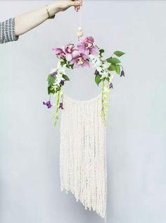 Macrame / wall hanging / modern macrame / weaving / floral