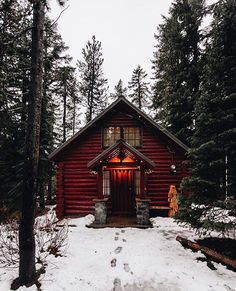 """Wish You Were Northwest on Instagram: """"Ok we couldn't resist sharing another cabin in the snow. Ps. There are a few hours left of the 25% off everything sale! Use code SHOPEARLY Photo by @monascherie #nrthwst"""""""