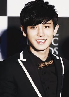 Chanyeol has such a great smile and so cute.