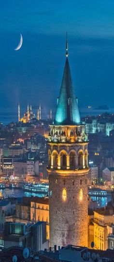 Galata Tower İstanbul/Turkey - a must visit when you visit Istanbul Wonderful Places, Great Places, Places To See, Places Ive Been, Beautiful Places, Places Around The World, Around The Worlds, Sites Touristiques, Turkey Travel