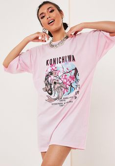 Missguided - Pink Oversized Konichiwa Graphic T Shirt Dress Big Shirt Outfits, Cool Outfits, Fashion Outfits, Dress Fashion, Pink T Shirt Dress, Oversized T Shirt Dress, T Shirt Branca, Graphic T Shirts, Best T Shirt Designs