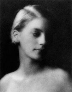 pinterest.com/fra411 #face - Arnold Genthe,Lee Miller, 1927.