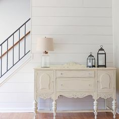 DIY Shiplap Accent W