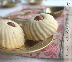 ghribia aux noisettes / gateau sec algerien Bonjour tout le monde, La ghribya, ou ghoriba reste ...