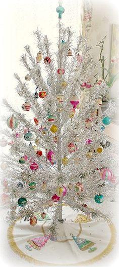Vintage Christmas Tree~ Debbie Orcutt  ❤
