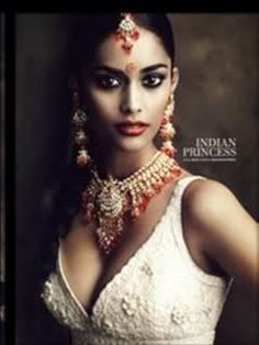 Brilliant #Trinidadian International #Desi Model Alyssah Ali as an Indian #Princess