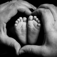 We love feet! Mother's Day photo inspiration