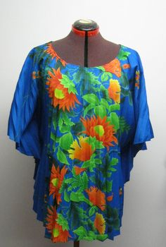 Vintage Resort Line Hawaii Pleated Top Shirt Cover Up Blue Floral Polyester Pocho Cape kaftan Short Sleeve Top Hawaiian 1970s 1980s One Size on Etsy, $25.00 CAD