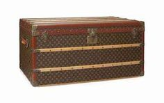 MALLE COURRIER IN MONOGRAM CANVAS                                                                                                                       LOUIS VUITTON, CIRCA 1965