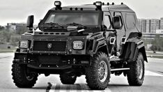 Best Car to survive a Zombie Apocalypse. Zombie survival car is awesome. Apocalypse Des Zombies, Zombie Apocalypse Survival, Nuclear Apocalypse, Zombies Survival, Dodge Vehicles, Armored Truck, Offroader, Bug Out Vehicle, Vw Bus