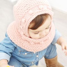 Capota de bebé a punto bobo – Tutorial y Patrón – - Baby Clothes Patterns, Cute Baby Clothes, Clothing Patterns, Crochet Wool, Crochet Cap, Knitting For Kids, Baby Knitting, Knitted Baby, Bonnet Pattern