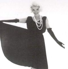 10/07/1962 Black Dress with Pearls par Bert Stern - Divine Marilyn Monroe