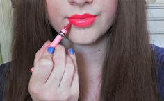 DIY Lipstick Made Out of CRAYONS: Easiest Way! This looks like the best dyi vid for crayon lipstick I've seen. Diy Beauty, Beauty Makeup, Beauty Hacks, Beauty Tips, Beauty Stuff, Fashion Beauty, Diy Makeup, Makeup Tools, Makeup Hacks