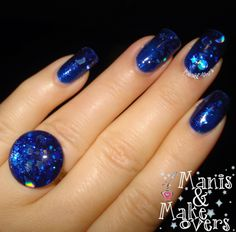 "Jindie Nails ""Silent Night""  http://manisandmakeovers.blogspot.com/2013/12/christmas-eve-mani-silent-night-by.html"
