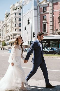 Madrid city elopement portrait   Image by Blancorazon Wedding Wedding Trends, Wedding Blog, Wedding Styles, Madrid City, Portrait Images, Gowns With Sleeves, Elopement Inspiration, Photography And Videography, Headband Hairstyles