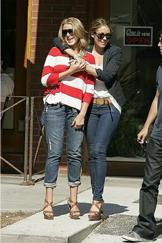 another Lauren Conrad and Lo Bosworth. BFFS.