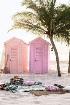 Pink surf shakes on the beach. Summer Vibes, Summer Fun, Summer Beach, Pink Summer, Style Summer, Summer Colours, Summer Loving, Enjoy Summer, Summer 2016