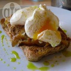Recipe photo: Simple smoked mackerel on toast with poached egg
