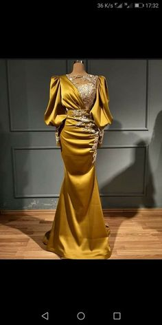 Evening Gowns With Sleeves, Ball Gowns Evening, Evening Dresses, Latest African Fashion Dresses, African Dresses For Women, Elegant Dresses, Pretty Dresses, Formal Dresses, Lace Tunic