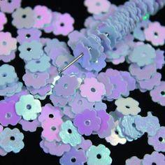 Purple Fashion, Flower Shape, Bead Sewing, Small Leaf, Leaf Pendant, Metallic Thread, Leaf Shapes, Sequins, Stones And Crystals