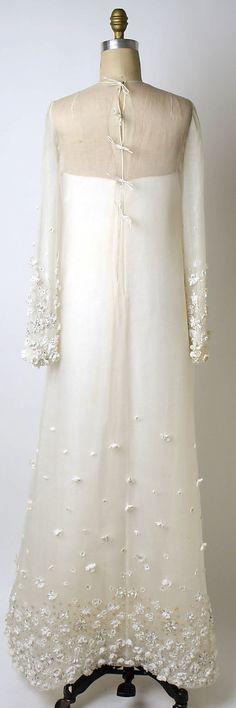 1967 wedding ensemble. Oscar de la Renta, Ltd.  (American, founded 1965)
