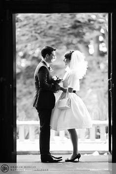 Wedding veils short hair classy for 2019 1960s Style Wedding Dresses, Garden Wedding Dresses, Wedding Dress Patterns, Vintage Dresses, Mod Wedding, Wedding Veils, Trendy Wedding, Wedding Church, Wedding Vintage
