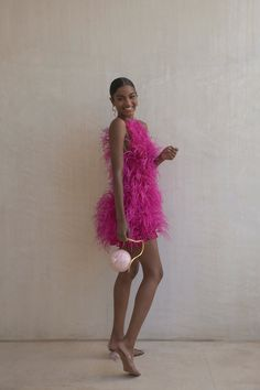 Chic Outfits, Fashion Outfits, Do It Yourself Fashion, Feather Dress, Event Dresses, Looks Style, Pretty Dresses, Passion For Fashion, Dress To Impress