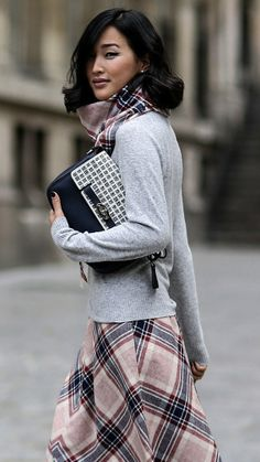 Reminiscent of Parisian style, a scarf with coordinating skirt is both inspirational and manageable. www.justblynk.com