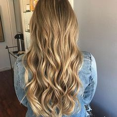 🙋🏼we're loving this color! who else loves balayage? . @hairbyerindoumert did low lights to give a more rooted balayage look for the lovely @moriahstew 💞 #lajollalocals #sandiegoconnection #sdlocals - posted by La Jolla, Ca ✨ Hair Salon  https://www.instagram.com/salonellelajolla. See more post on La Jolla at http://LaJollaLocals.com