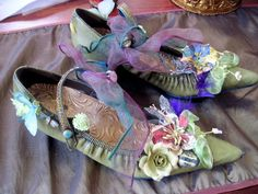 Visions of Venus - Couture shoes by Trish Vernazza