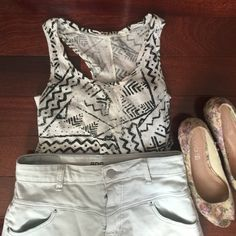 UO tank top Tribal tank top in perfect condition Urban Outfitters Tops Tank Tops