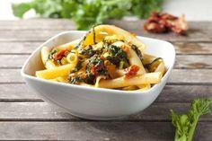 Ziti, cime di rapa e pomodori secchi #Star #ricette #pasta #primo #ziti #cimedirapa #pomodorisecchi #food #recipes