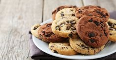 Here's a healthy delicious recipe on vegan banana chocolate chip cookies. The ingredients are packed with nutritients and are great for health.
