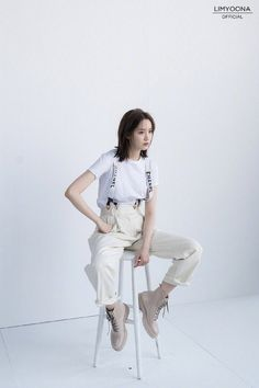 Im Yoon Ah, Yoona Snsd, Pose Reference Photo, Harpers Bazaar, Girls Generation, Beautiful Actresses, Normcore, Glamour, Fairy Art
