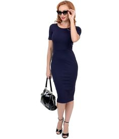 80b48eb68 I'm always looking for dresses that suit a curvy figure and this looks like
