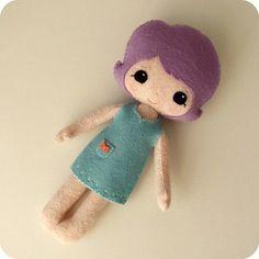 Felt doll in aqua dress by Gingermelon, via Flickr http://www.flickr.com/photos/gingermelon/7587844584/in/set-72157626445239612