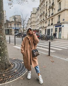 50 Newest Trends For Collage Outfits Ideas - - 50 Newest Trends For Collage Outfits Ideas Source by Summer Dress Outfits, Casual Fall Outfits, Winter Fashion Outfits, Autumn Winter Fashion, Cozy Outfits, Fashion Clothes, Fashion Fashion, Fashion Women, Fashion Ideas