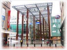 Piazza, Eindhoven, ingang van Massimiliano Fuksa